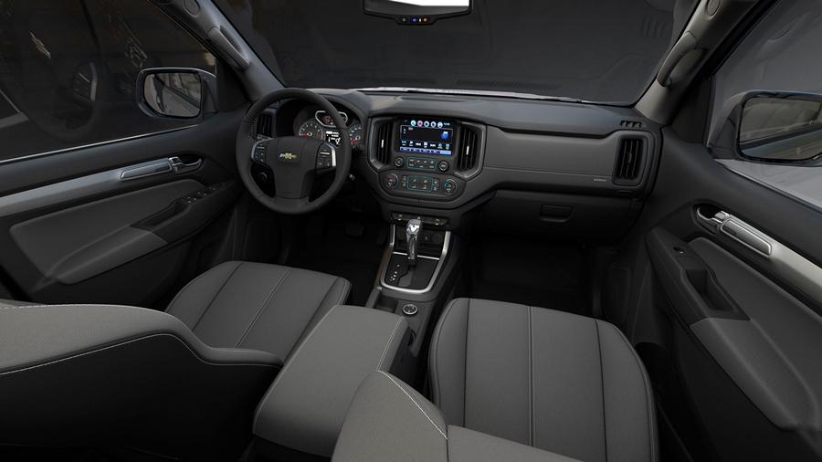 Confira o interior da S10 High Country 2018: muito espaço e luxo lhe esperam