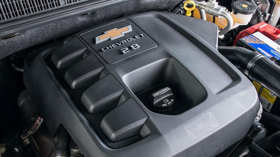 Duas opções de motorização: 2.8 Turbo Diesel e 3.6 V6 gasolina.