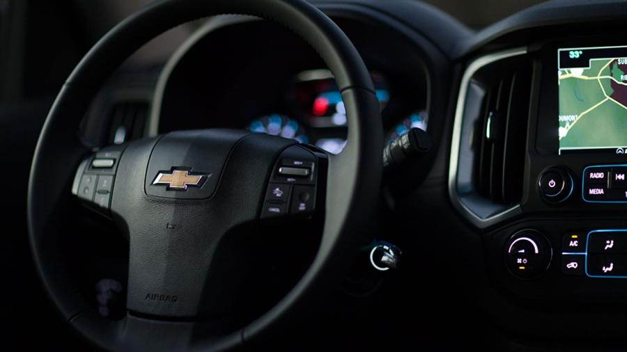 Volante integrado à central Chevrolet MyLink.