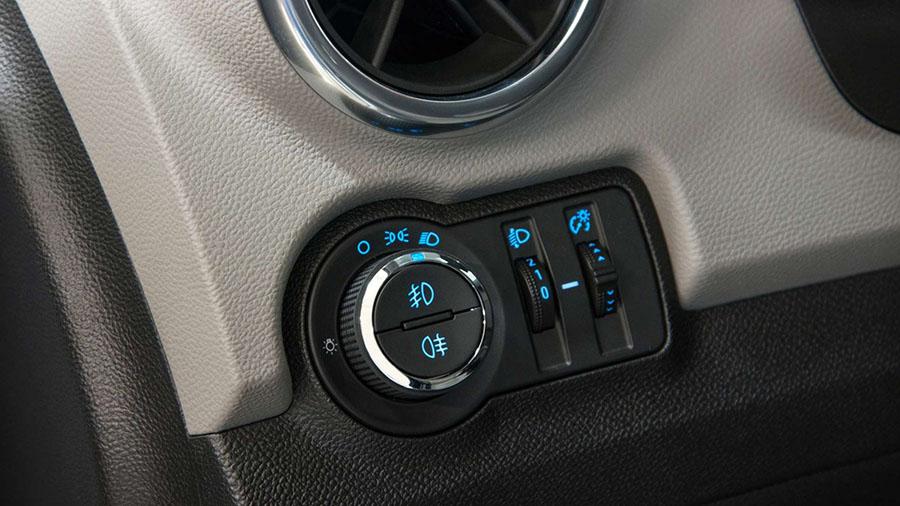 Novo Tracker com iluminação dos botões na cor azul.