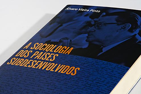 """Livro """"A Sociologia dos Países Desenvolvidos"""" Capa"""